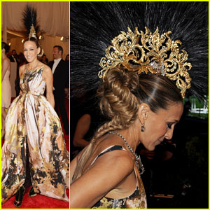 sarah-jessica-parker-met-ball-2013-red-carpet